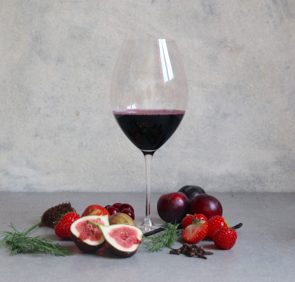 Key Flavours; Strawberry, Plums, Dill, Fig, Cherry, Cloves, Tobacco, Liquorice.
