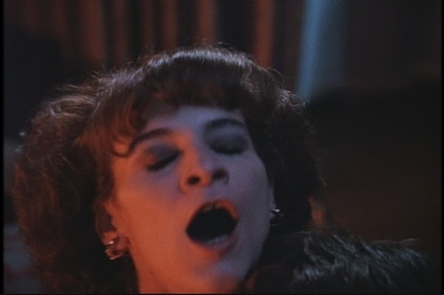 1x05-Lover-Come-Hack-to-Me-tales-from-the-crypt-7751461-500-333.jpg