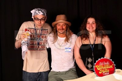 Also working against  My Best Friend  being a movie: there are no images of it on the internet, so enjoy this picture of me with Kid Rock.