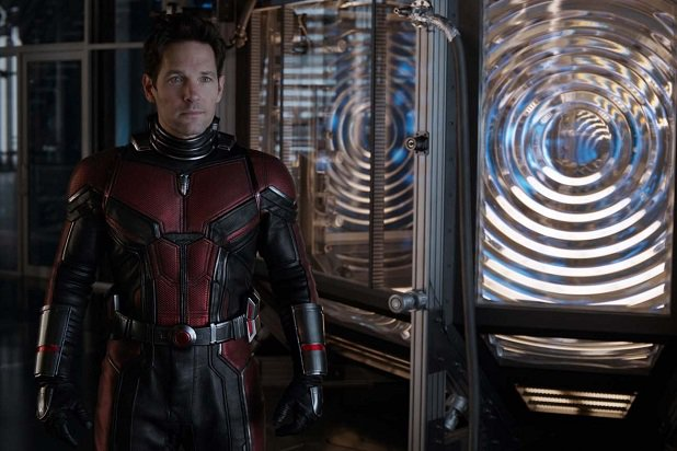 ant-man-and-the-wasp-janet-paul-rudd-ghost-chamber.jpg