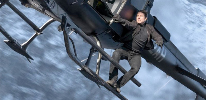Get away from that helicopter, Tom Cruise! You're going to fall off and die!