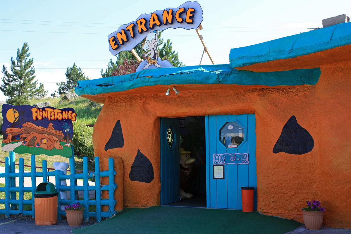 Entrance_to_Bedrock_City,_South_Dakota.jpg