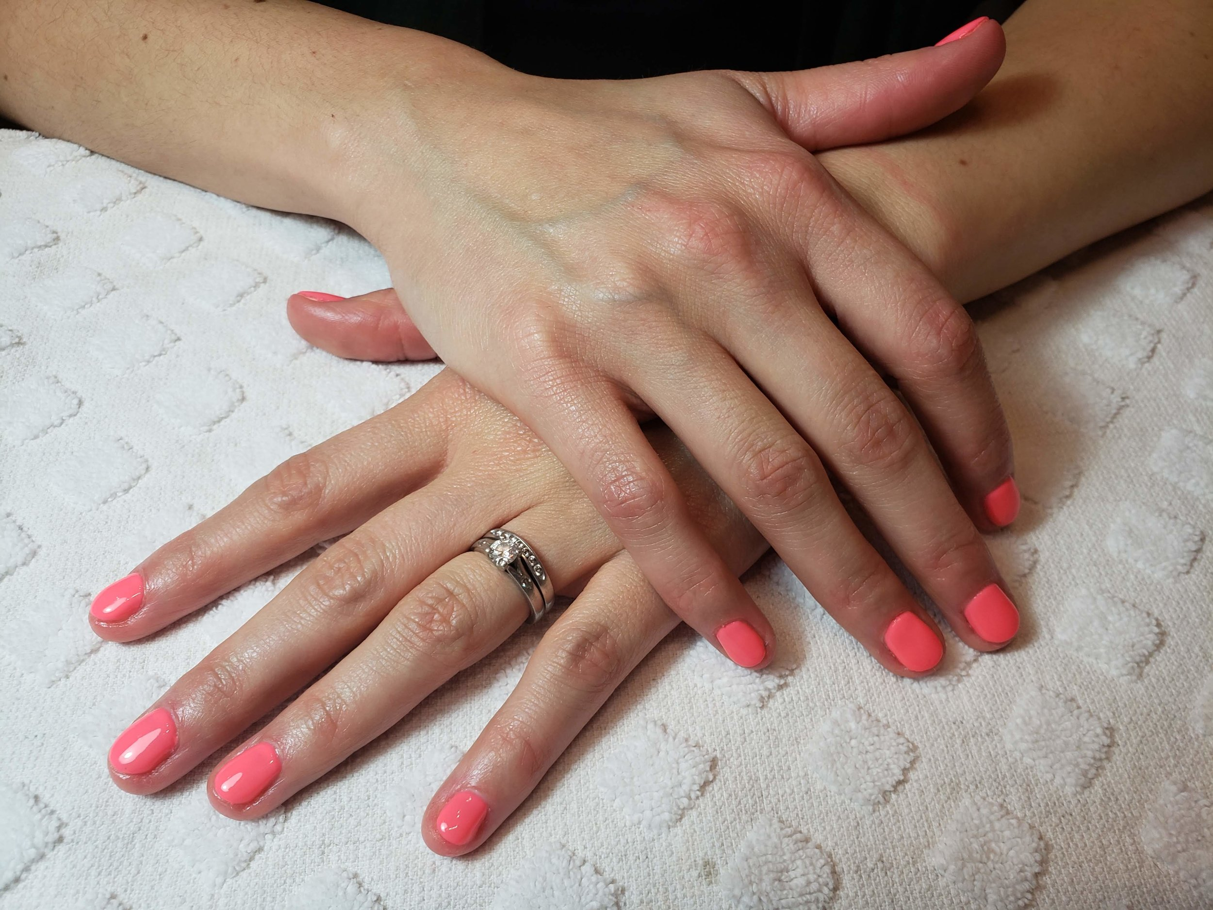 Coral Nails, Perfect Mani, Summer Mani, Summer Nails, Gel Nails, Best in Bend, Coral, BioSculpture Gel,