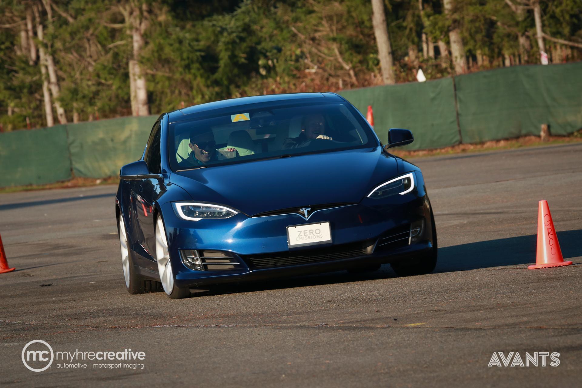 Tesla_MyhreCreative_Avants_04.jpg