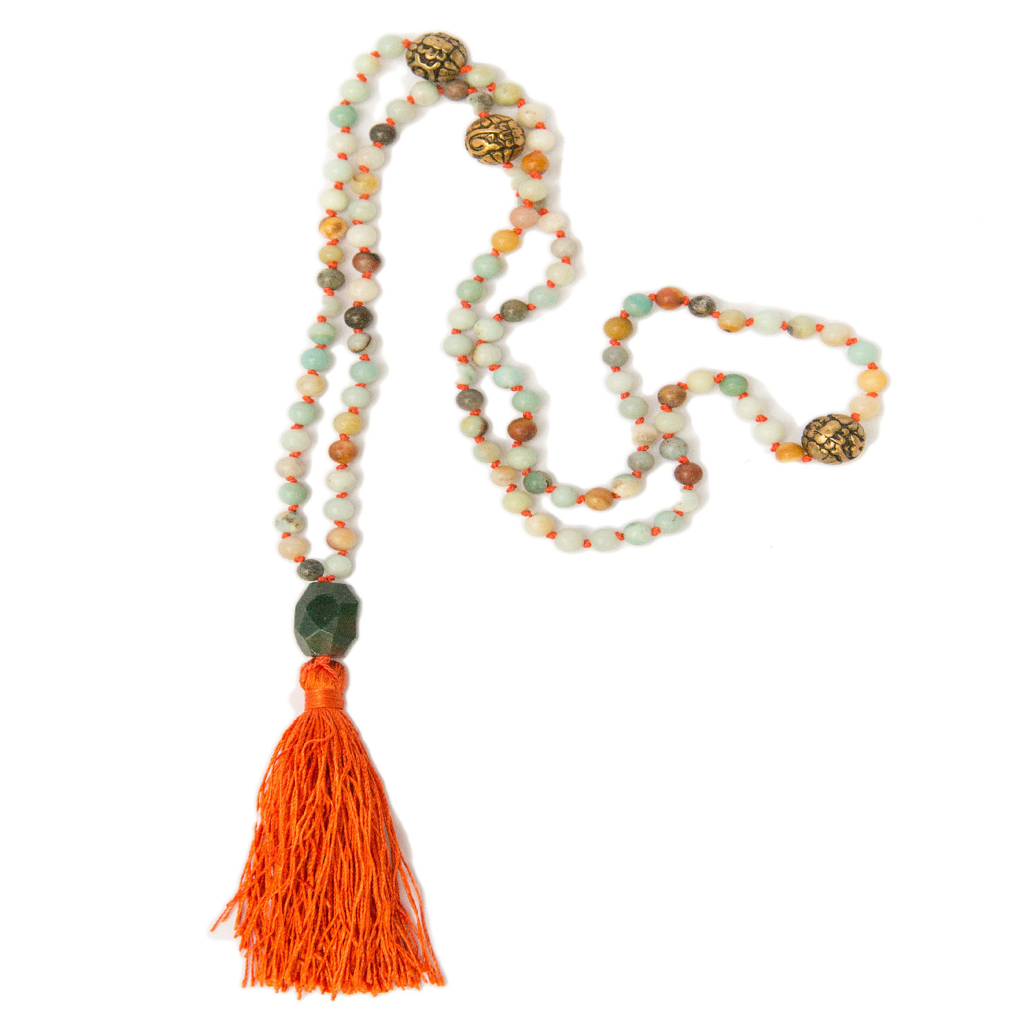 - Learn the Zen art of silk knotting. This technique is traditionally used for pearls but can be applied to other beads as well. In this class you will create your very own elegant