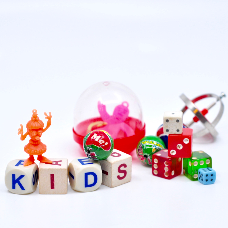 - Hey Kiddos!We are so excited that you are interested in our afternoon kids class! We play with a bunch of beads, chains, and charms to get your littles' creative minds running. Necklaces, bracelets, pendants, and even room decor are amongst some of the projects that we make in this 3-hour camp class.Click here to register online.Call us at 512-693-2323 to register by phone.
