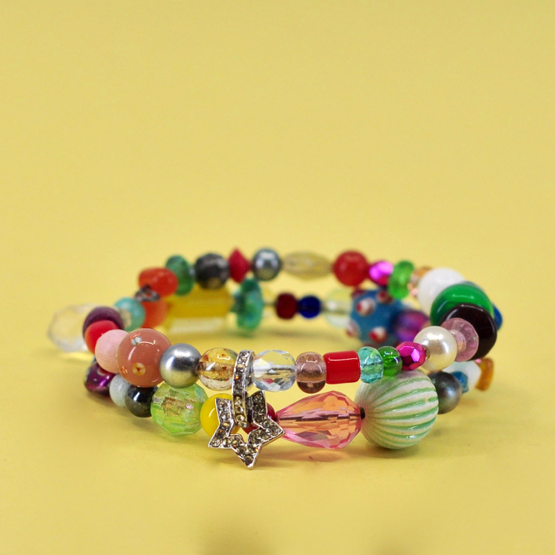 - Heyo Kiddos!!!We are so excited that you are interested in our afternoon kids class! We play with a bunch of beads, chains, and charms to get your little's creative minds running. Necklaces, bracelets, pendants, and even room decor are amongst some of the projects that we make in this fun 3-hour camp class.Click here to register online.Call us at 512-693-2323 to register by phone.