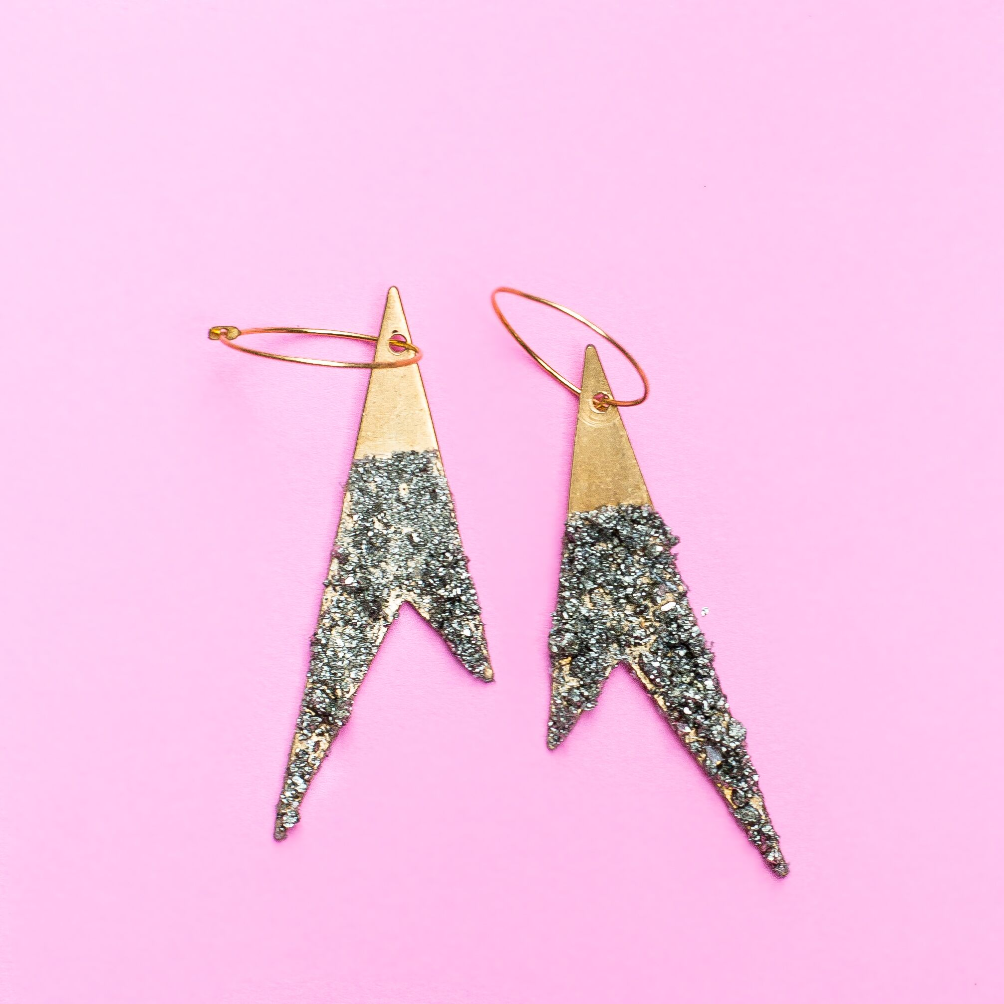 - Learn to make earrings, pendants, or bracelet charms with sparkly crushed pyrite in this new pop up workshop! This class is fun and easy for any skill level.Click here to register online.Call us at 512-963-2323 to register by phone.