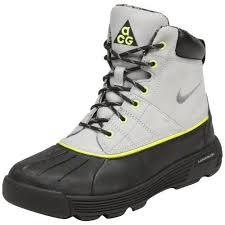 nike boots.jpg