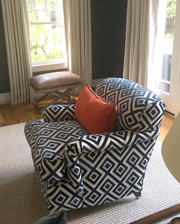 blue-white-chair.jpg