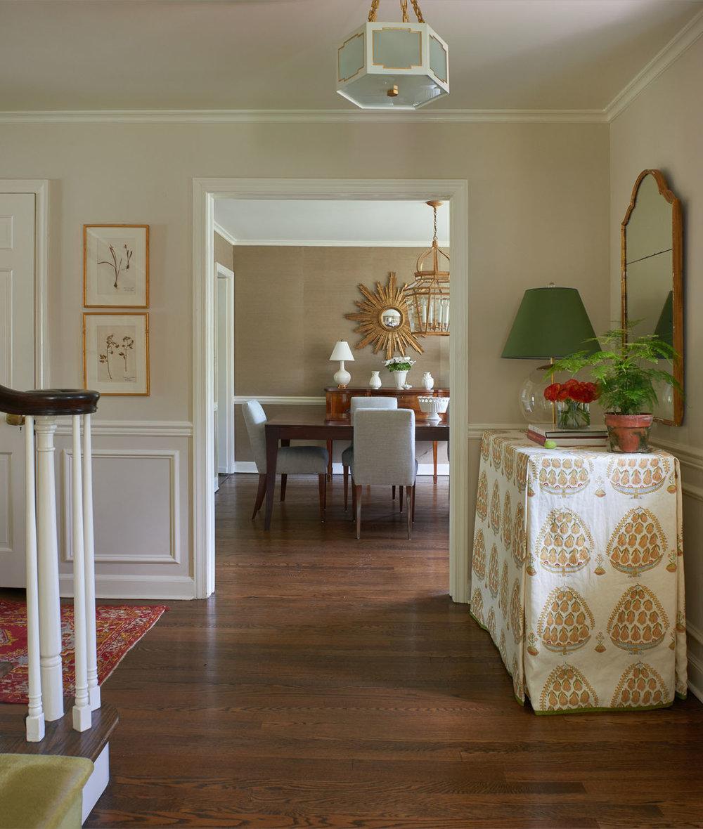 Q Interiors - Entry Design