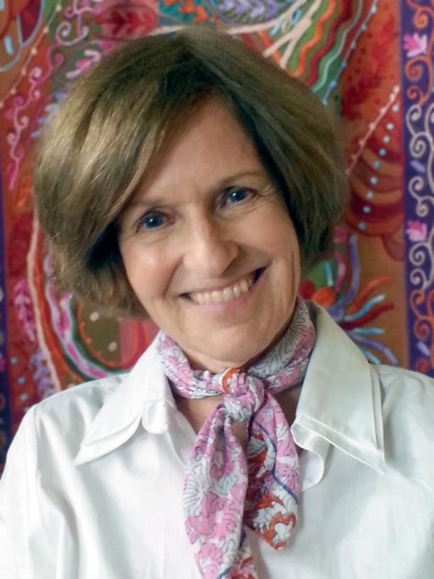 Linda Tigges Portrait Website Headshot_filtered.jpg