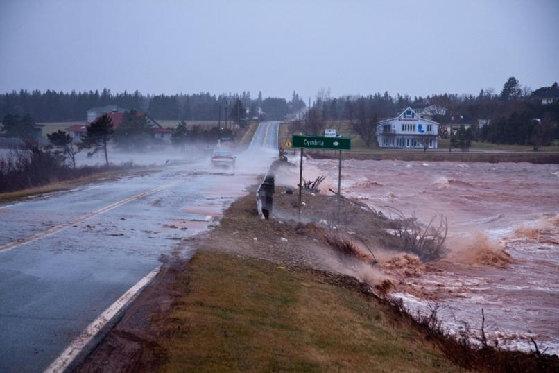 L'Île-du-Prince-Édouard est très vulnérable à l'élévation du niveau de la mer en raison du changement climatique. Extraites de  https://www.thestar.com/business/2015/11/14/prince-edward-island-coastal-real-estate-and-the-impact-of-climate-change.html