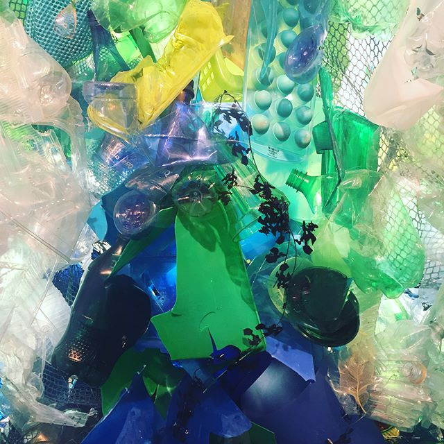 From a distance I thought @montereybayaquarium had splurged on a #chihuly but it's a monumental installation of recycled plastic by @katharineharvey - beautiful art and message! #fineart #aquarium #recycled #caavisits