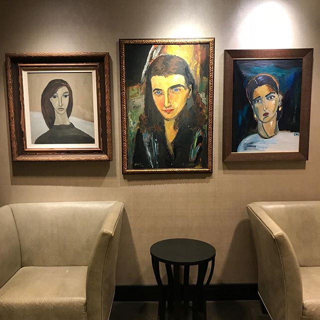 I always appreciate how @nordstrom incorporates cool original art (both contemporary and vintage) into their store decor - even in the ladies' room! #vintageart #portrait #artinunusualspaces #artinstallation #buyrealart