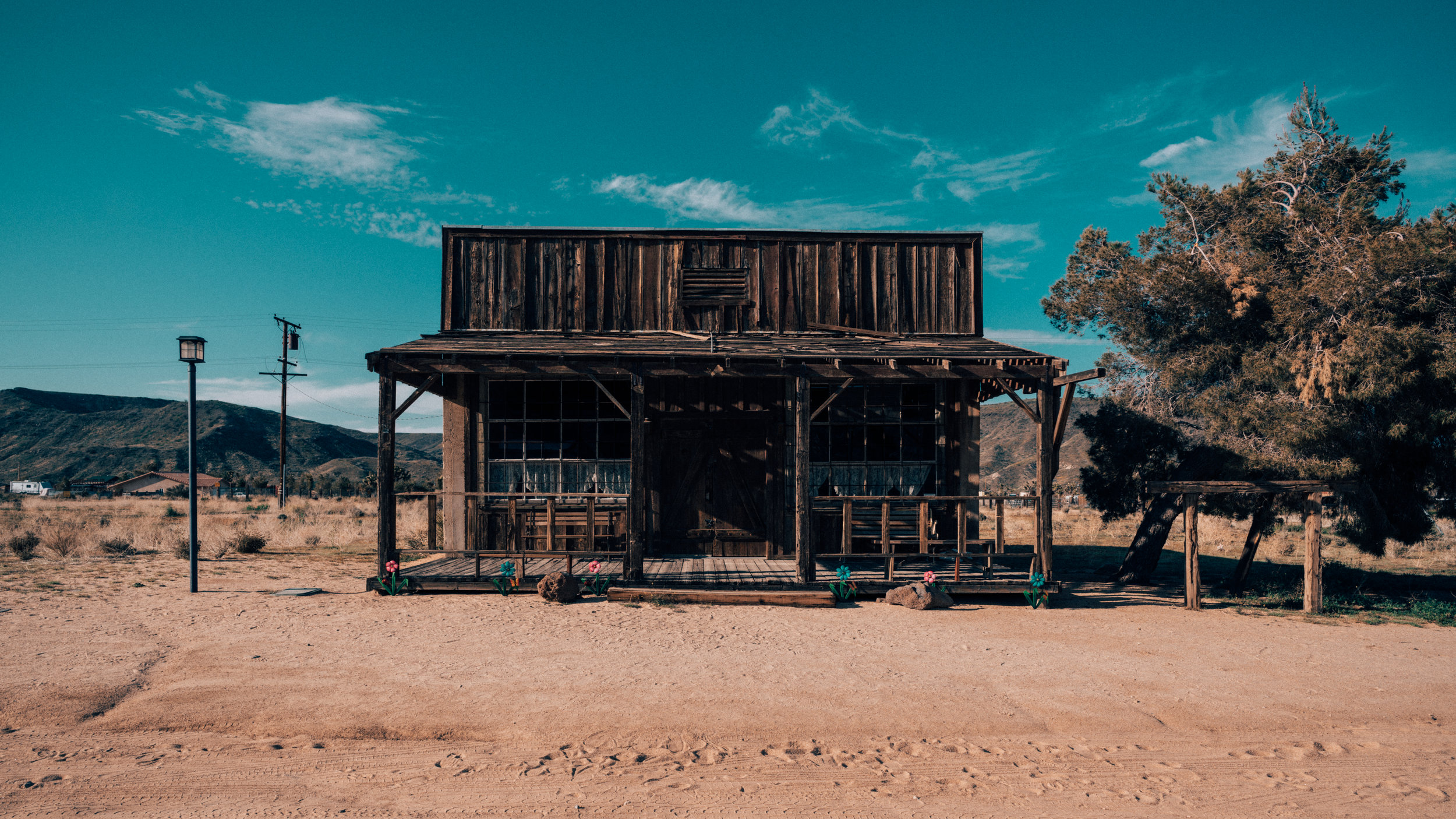 Pioneer Town | Joshua Tree | Zeiss Lenses