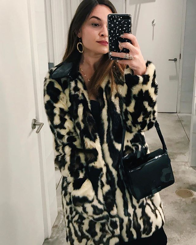 Took my impeachment fur for a spin this weekend 🐆🇷🇺🙏 #itsfake #itsmuellertime