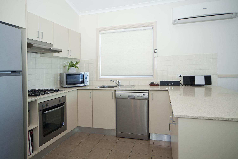 Headland, Chalet 15 kitchen.jpg