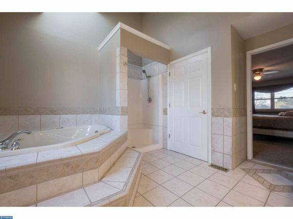 Renovated master bath 2.jpg