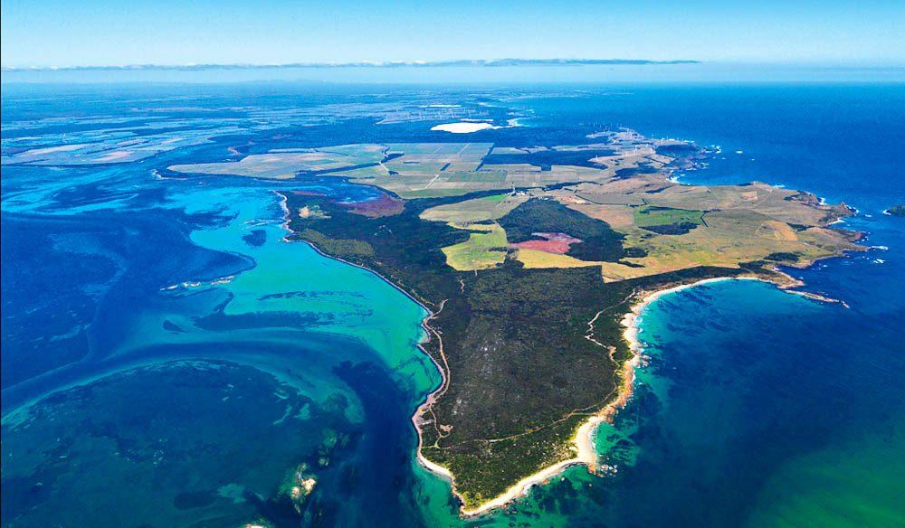 052.-Cape-Grim-from-the-air-Tas-Peter-Bellingham.jpg