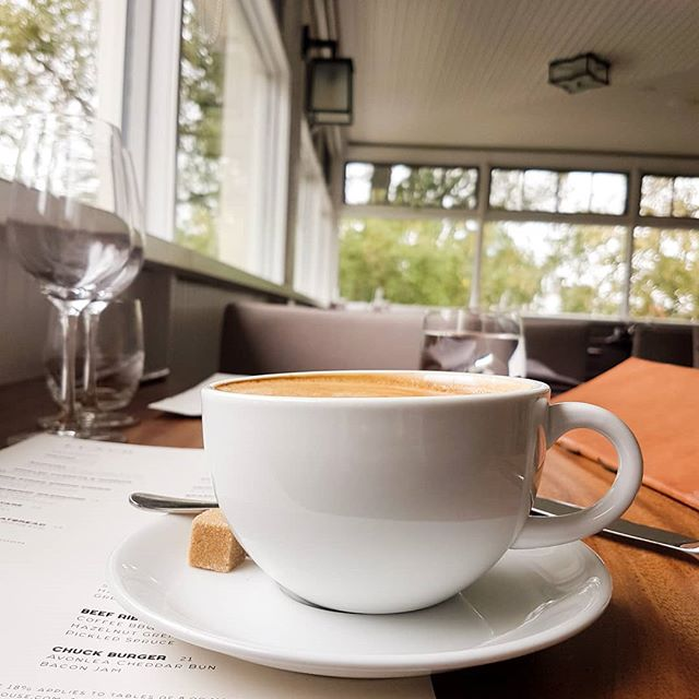 good coffee + great company = great start to a morning x happy international coffee day! . . . . . #happyinternationalcoffeeday #coffeeday #cafe #thatsdarling #darlingweekend #birthdaycoffee #coffee #latteart #lattelove #morningcoffee #yyc #yycblogger #yyccoffee