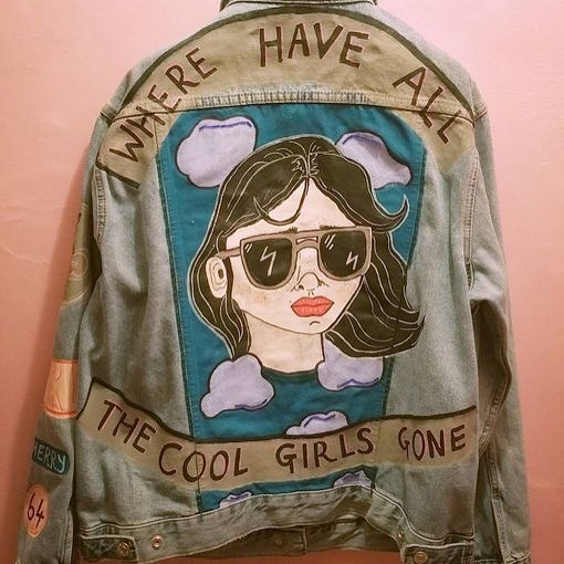 Hello Teen Songwriters! We will be embellishing and adding to our Jean Jackets next Friday for our Identity themed Meeting. You will need to bring your jean jacket and also bring all the pins, patches and extra thangs you want to add! Supplies will be provided but personal add-ons should be brought by you! There will be pizza and cookies! 🍕 🍪 Jan 19th 6-8pm (as always Songbirds is free but donations for pizza is appreciated and new members always welcome!) ❤️