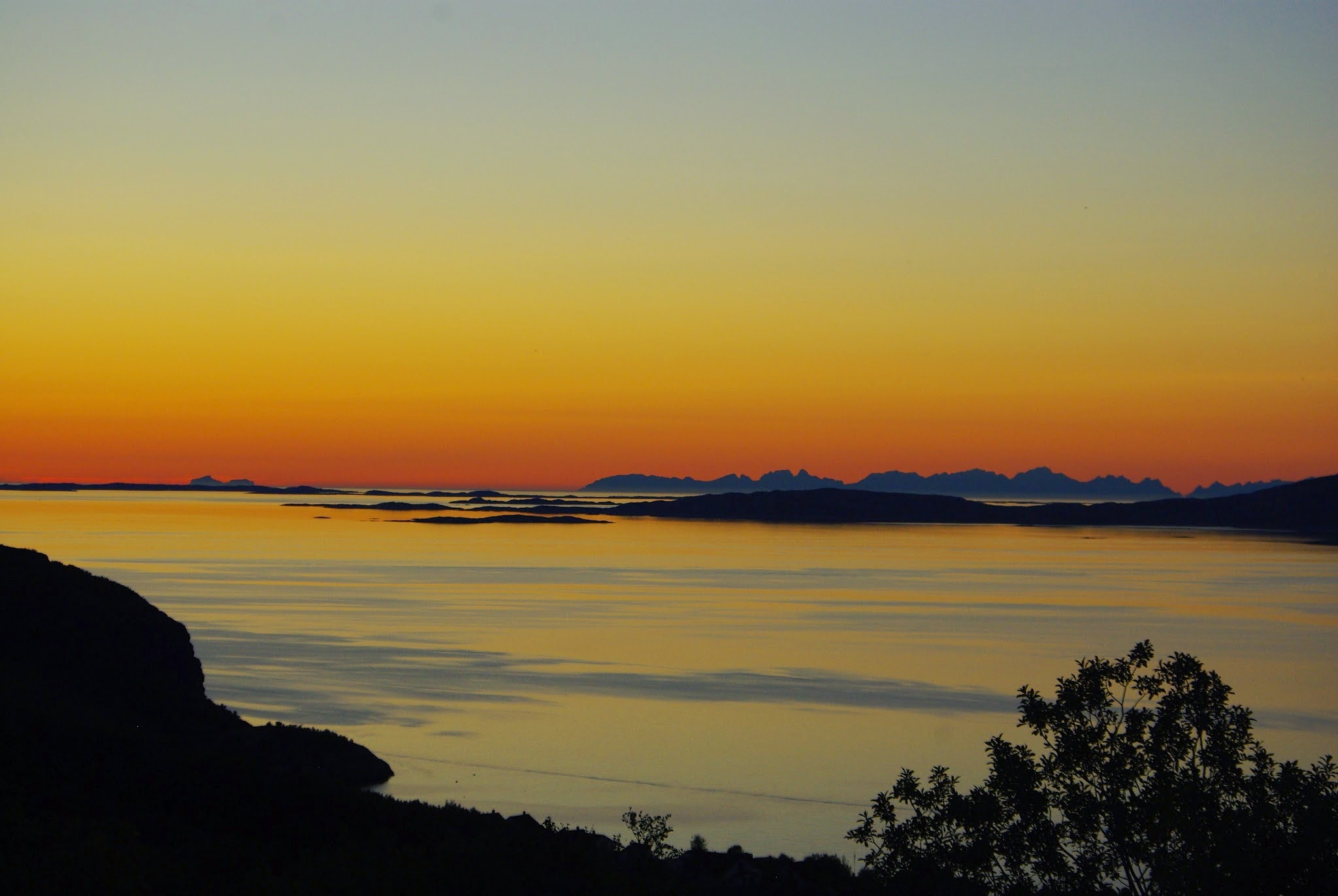 Another incredible arctic sunset to end our foraging day, this time seen from the hills above Bodø,.
