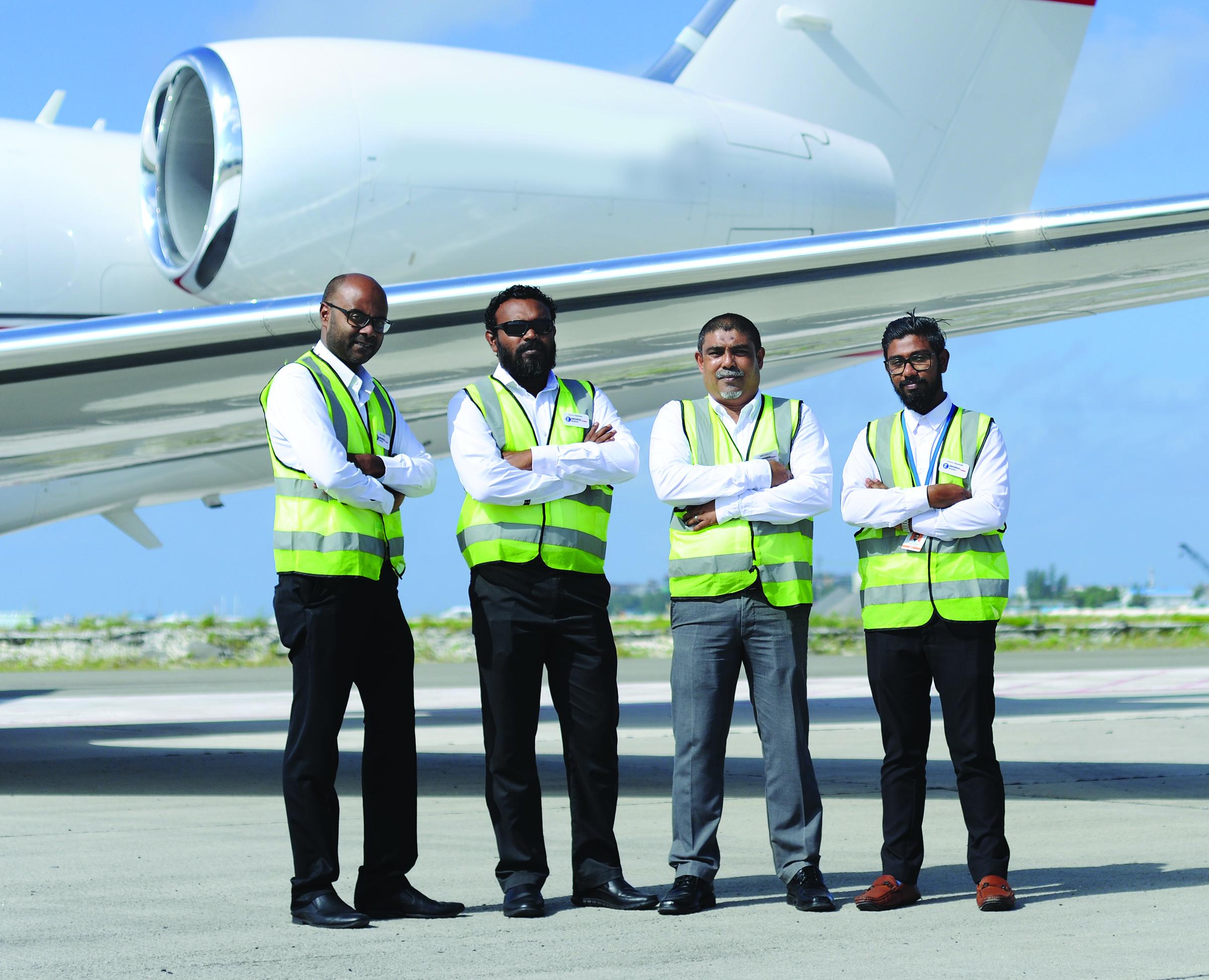 Maldives_team (DSC_8525)_HR.jpeg
