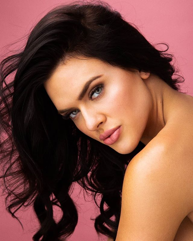 You had me down as a damsel? Darling, I'm the wolf. 🐺 . Photography: @jescashoots Model: @kjsmeby HMUA: @laurenmcgeebeauty . . . #hairandmakeup #beauty #hairandmakeupaddiction #beautyblog #beautymakeup #beautyphotographer #beautyphotography #skincare #makeupaddict #cleanbeauty #promua #glamsquad #losangelesbeauty #laphotographer #lamodels #lamua #losangelesphotographer #LA #losangeles #LAlife #LaLaLand #California #rainbows #fierce #flawlessmakeup #beautylighting #creamyskin #portraitphotographer #discoball #beautydish