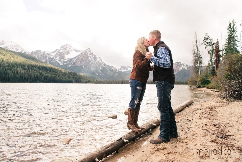Stanley-Lake-Engagement-portraits-Maija-Karin-Photography_0003.jpg