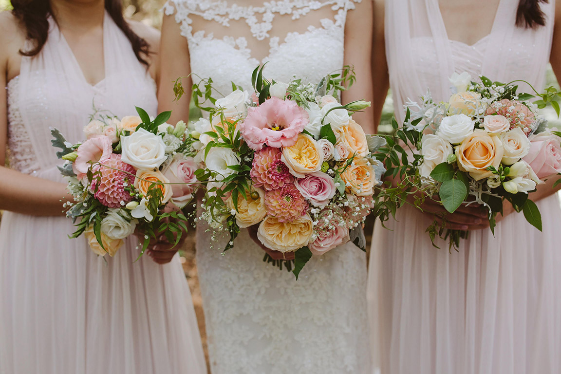peach-blash-pink-wedding-flowers-bouquets-auckland.jpg
