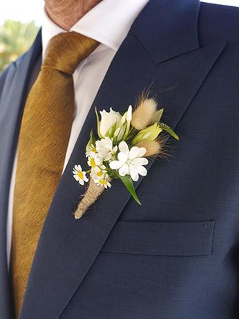 bunny-tail-daisy-rustic-buttonhole-groom-wedding.jpg