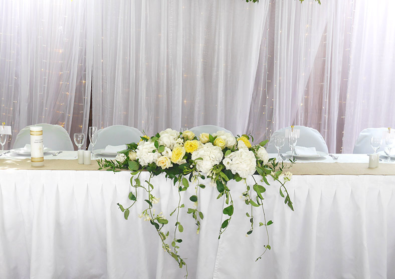 vintage-mantlepiece-flower-arrangement-wedding-auckland.jpg