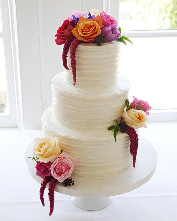 wedding-cake-flowers-bright-auckland.jpg
