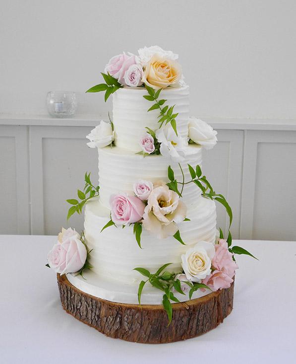 wedding-cake-flowers-jasmine-pink-roses-auckland.jpg