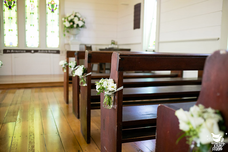 abbeville-pew-cream-wedding-ceremony-auckland-flowers.jpg