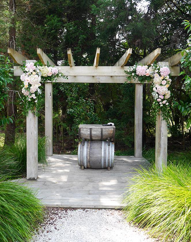 wedding-arch-flowers-auckland-kumeu-valley.jpg