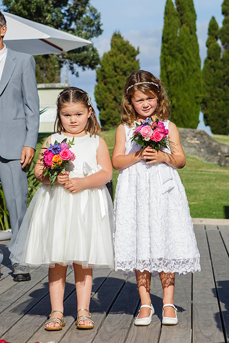 bright-flower-girl-posy-wedding-auckland.jpg