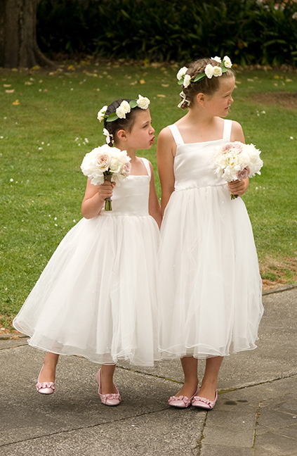 flower-girl-crowns-circlets-roses-wedding-auckland.jpg