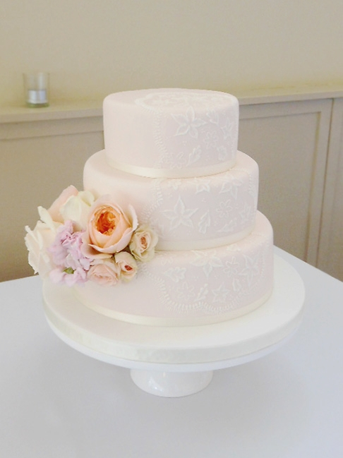 peach-pink-wedding-cake-flowers-auckland.jpg