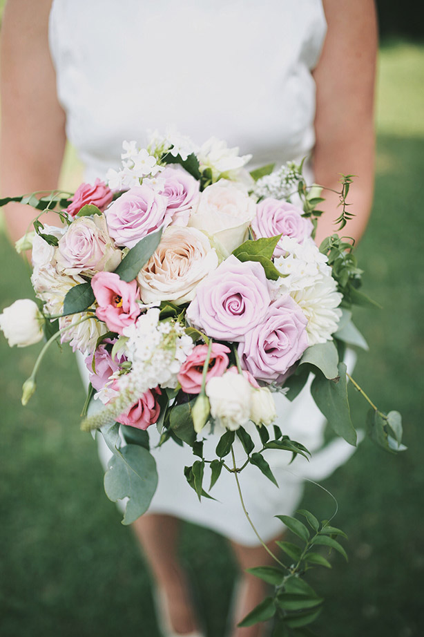 wedding-flowers-auckland-lavender-mauve-bouquet-roses.jpg