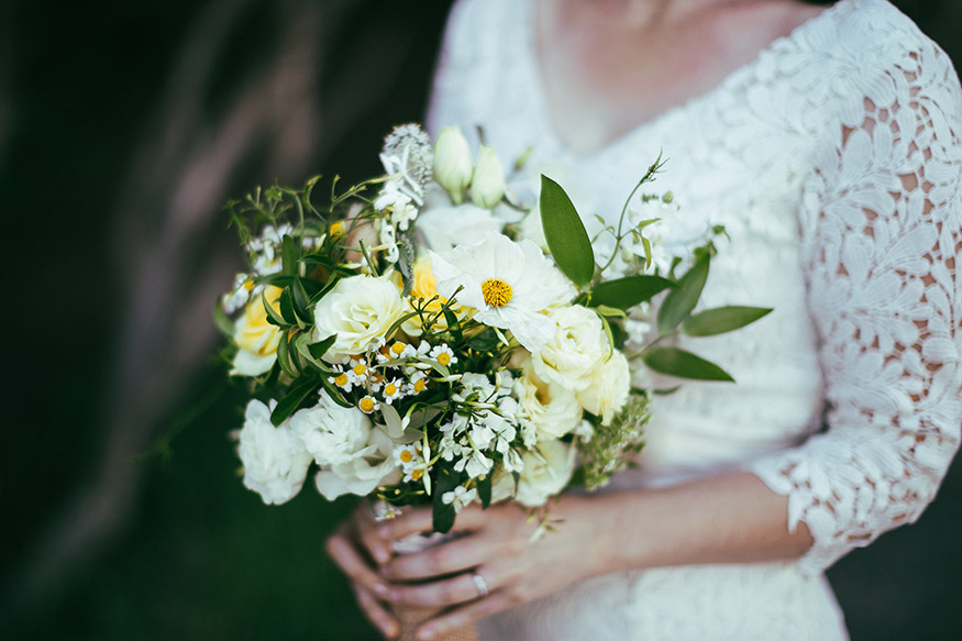 white-yellow-wild-flower-wedding-flowers-auckland.jpg