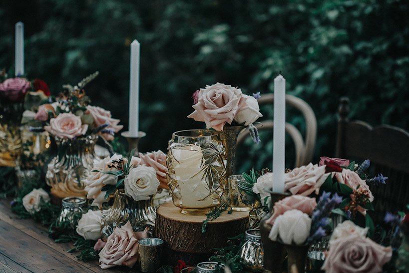 gold-rustic-table-flowers-wedding-moody-auckland.jpg