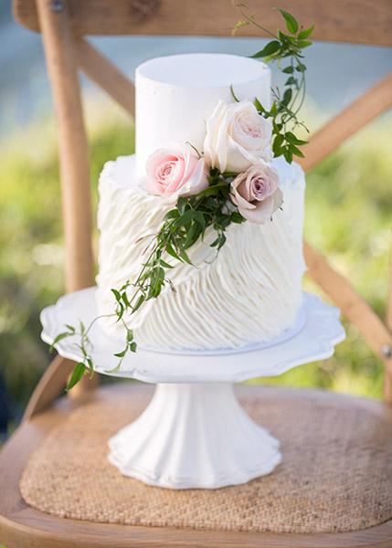 cake-flowers-jasmine-roses-auckland.jpg