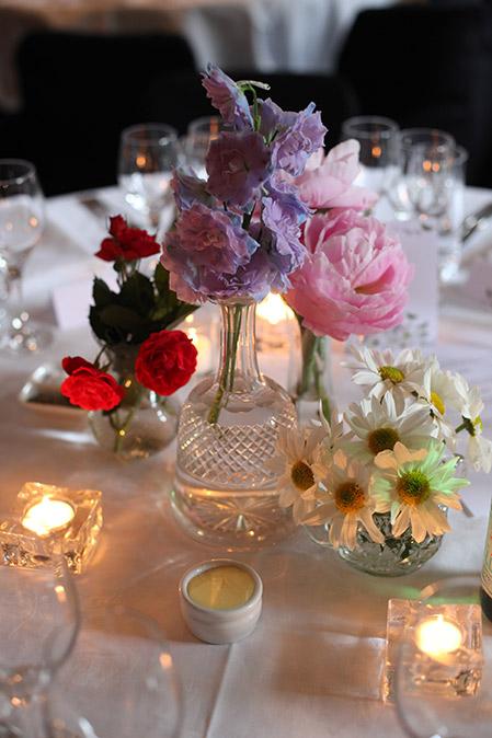 vintage-vase-crystal-centrepiece-flowers-auckland-wedding.jpg