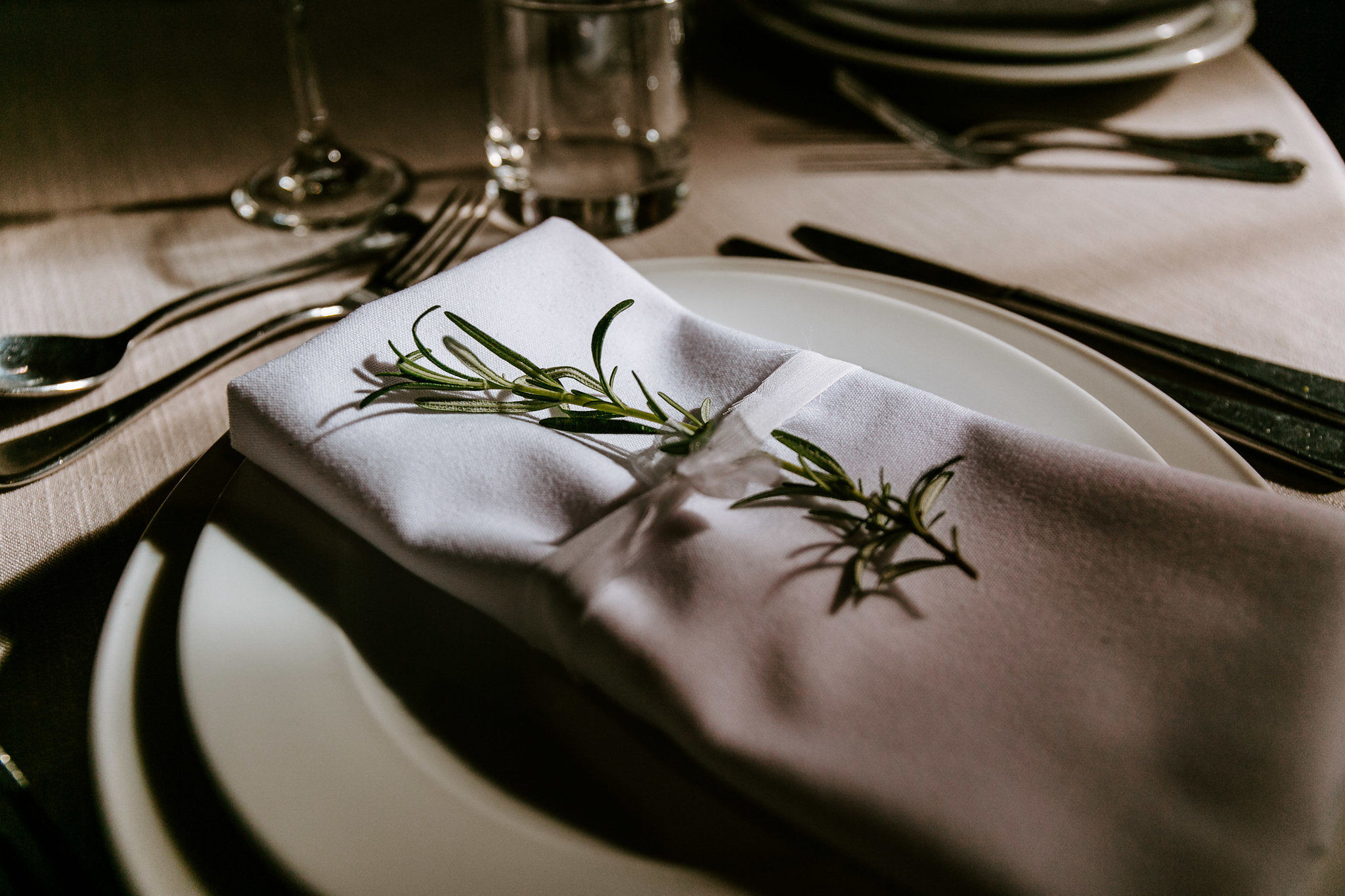 napkin-rosemary-flowers-wedding-auckland