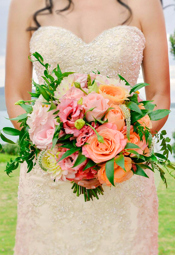 coral-wedding-bouquet-flowers-auckland-www.blossomweddingflowers.co.nz.jpg