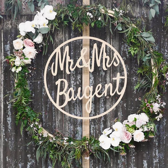 Floral Hoop #flowerdesign #weddingflowers