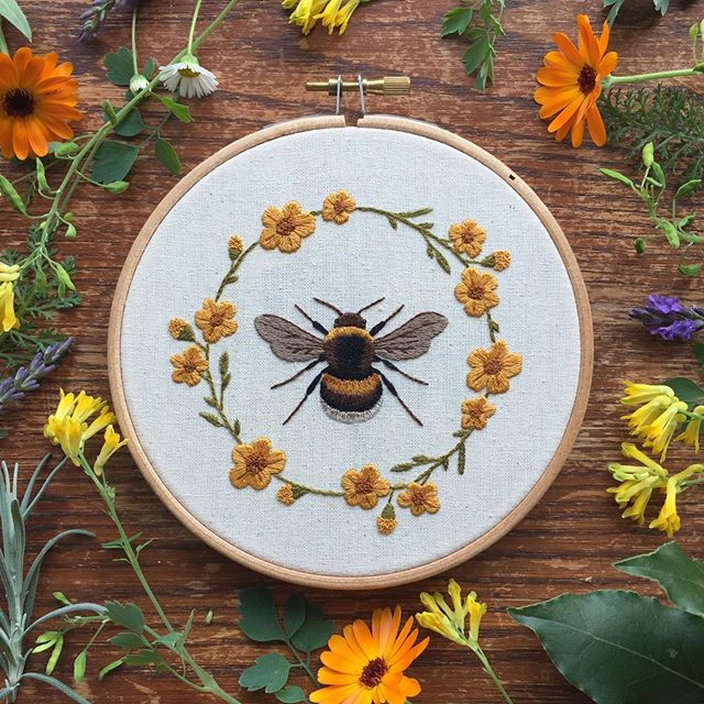 Thank you so much to my lovely friends who clubbed together to get me a @craftpod_ subscription for my Birthday!! I'm so pleased with the final outcome of this sweet bee embroidery project by the amazing @emillieferris !! If you haven't heard of Craftpod before go and check out their feed! They produce the loveliest craft kit boxes I have ever seen, all based on nature and the seasons with contributors from independent artists and designers. I can't wait to see what they have in store for Autumn! #craftpod #embroidery #handbroidery #bumblebee #paintingwiththread #marigolds #summerflowers #embroideryart #embroiderersofinstagram #hoopartwork #needleandthread #handstitching #naturelovers #flowergarland #textileart #bees #embroiderykit #craft #craftkit