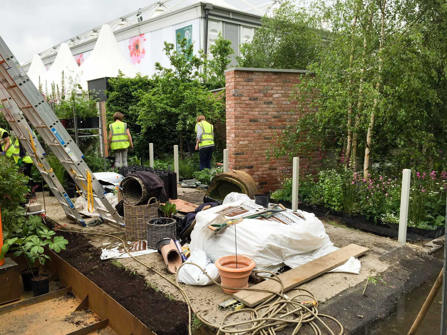 There was still a great team spirit and I even got involved with a few finishing touches to the garden.